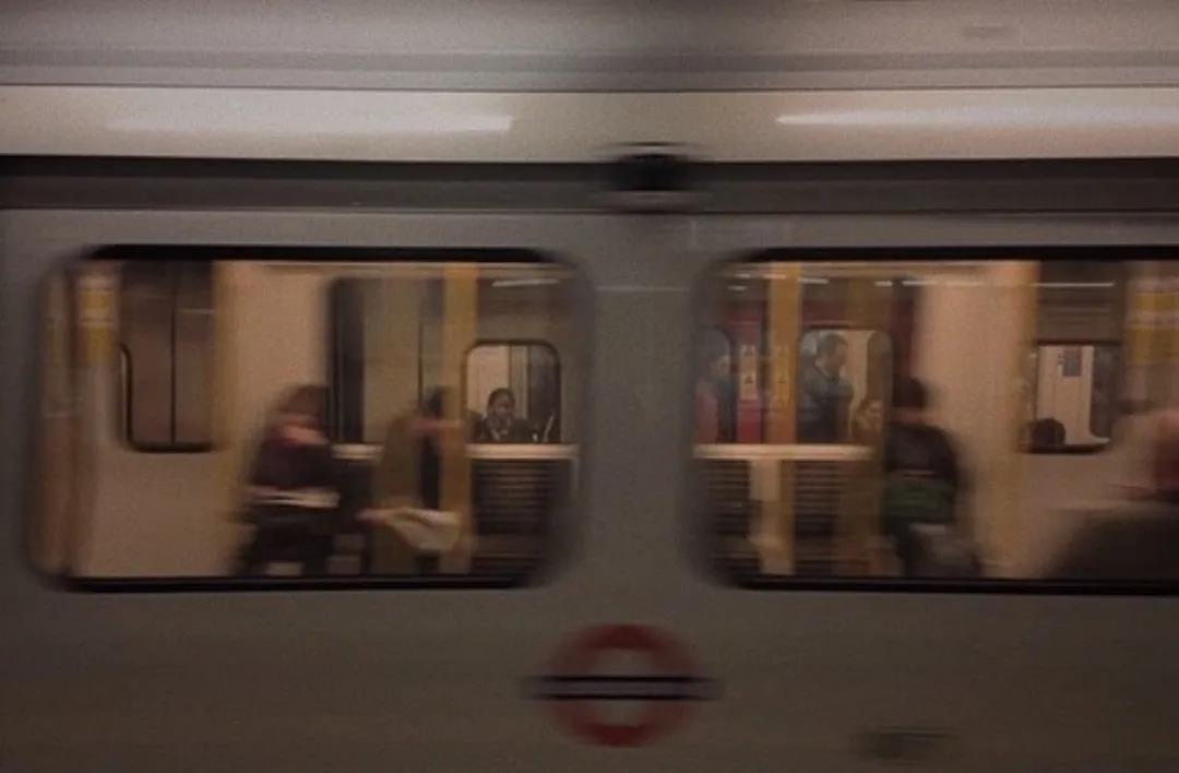 """""""_我不寂寞,因为有孤独陪着我_"""""""